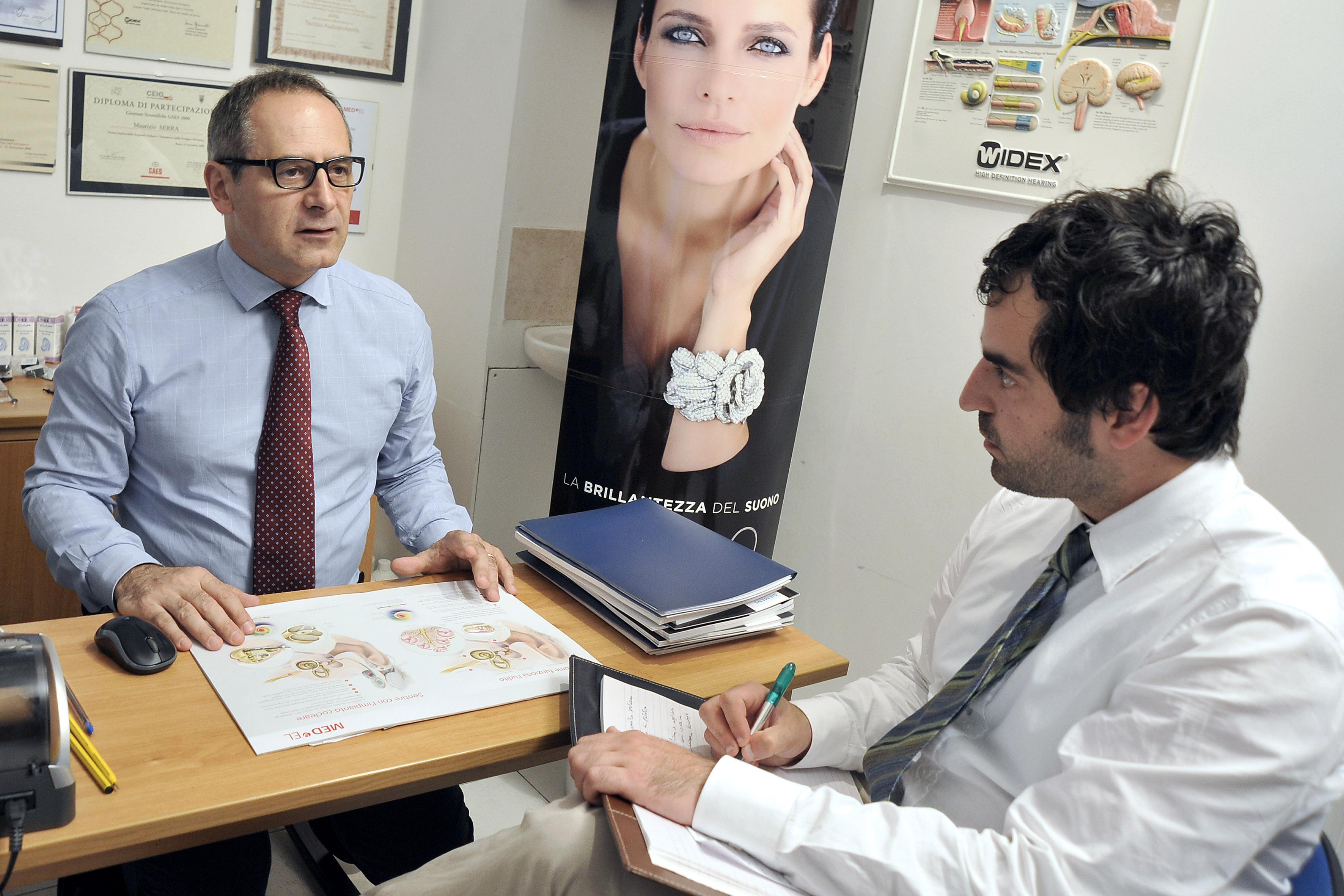 Maurizio Serra: «Prevenzione ed apparecchi acustici su misura, così Udito Farm contrasta la sordità»