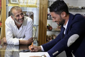 Massimo Capriotti nella gioielleria