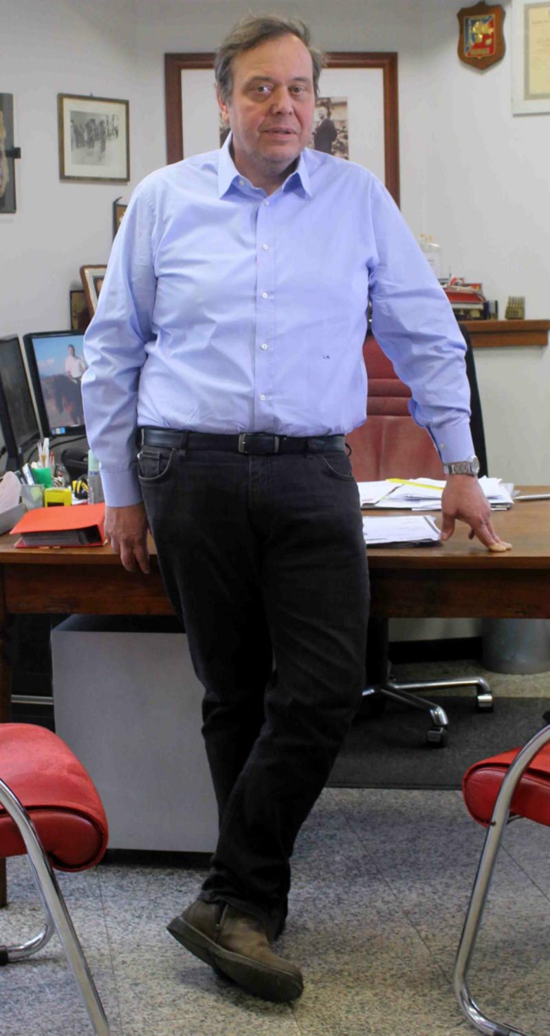 Lino Marini nel suo ufficio