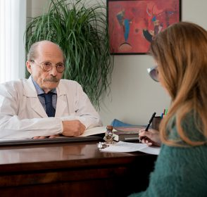Studio di chirurgia estetica Garigale: Il medico come psicologo nella valutazione dei problemi legati all'estetica.